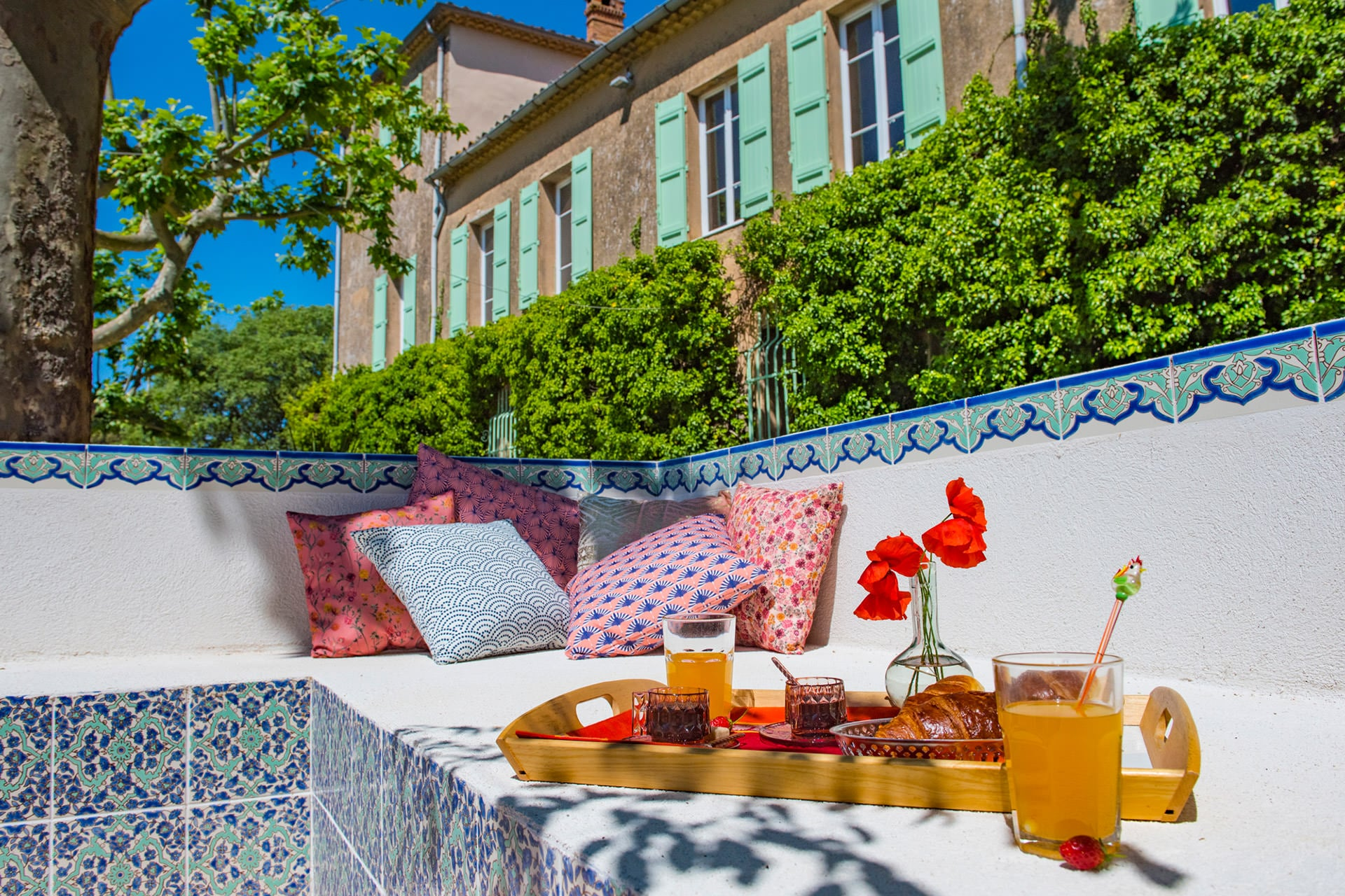 Bastide Saint Estève petit-déjeuner location saisonnière appartement meublée gîte